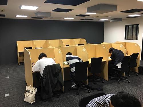 武田塾高槻校のトレーニング風景2