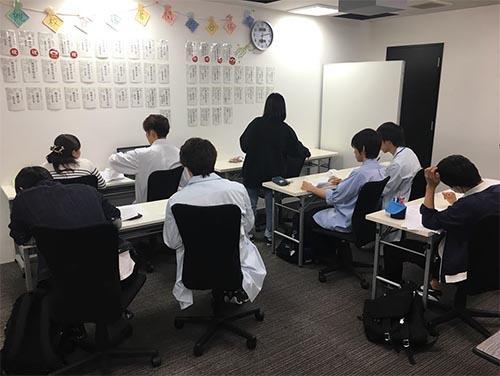 武田塾高槻校のトレーニング風景1